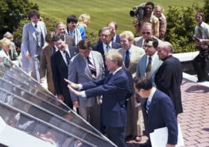 Former president Jimmy Carter revealing the White House's first solar panels in 1979 | photo: Jimmy Carter Presidential Library &Museum