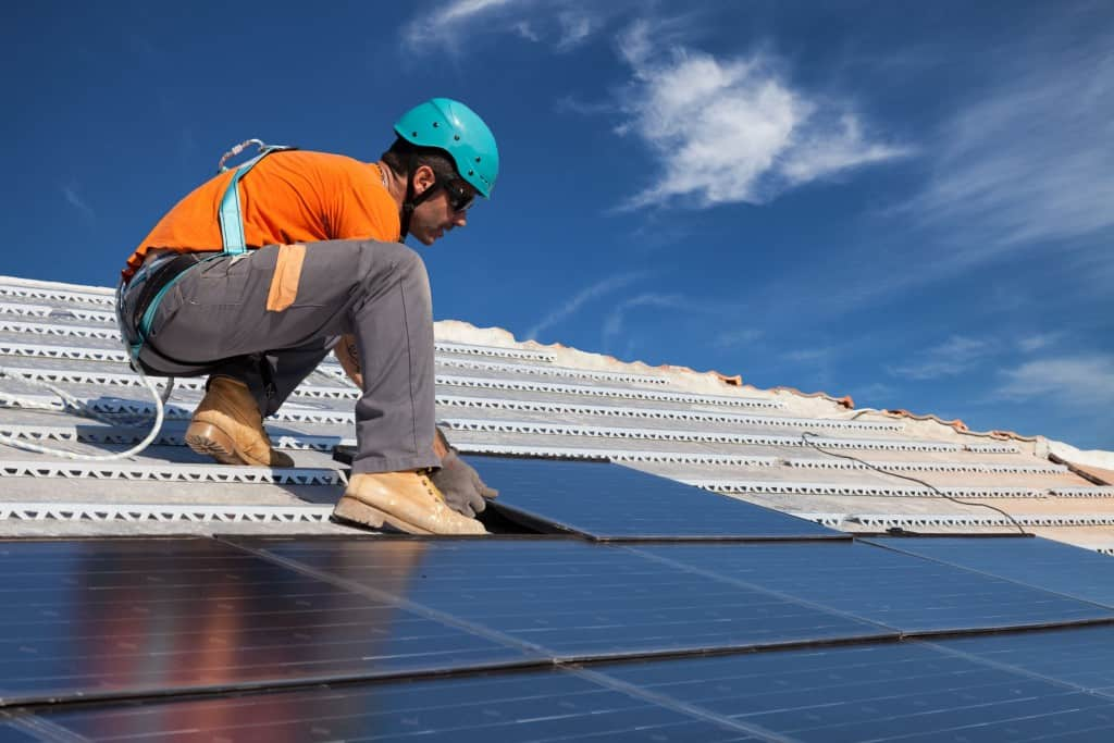 professional-solar-panel-installers-1024x683